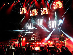 Color photo Fall Out Boy on tour in 2014