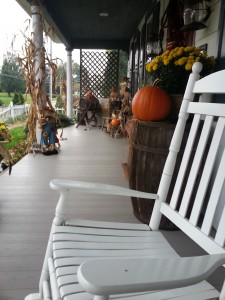 Photo of front porch in Fall at the 1825 Inn